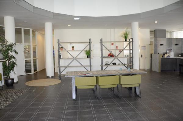 Multifunctionele Indoor Picknicktafel : Tagungsraum 250 räumen deskbookers deskbookers