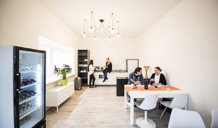 amapola gmbh berlin arbeitsr ume niedrigster preis. Black Bedroom Furniture Sets. Home Design Ideas